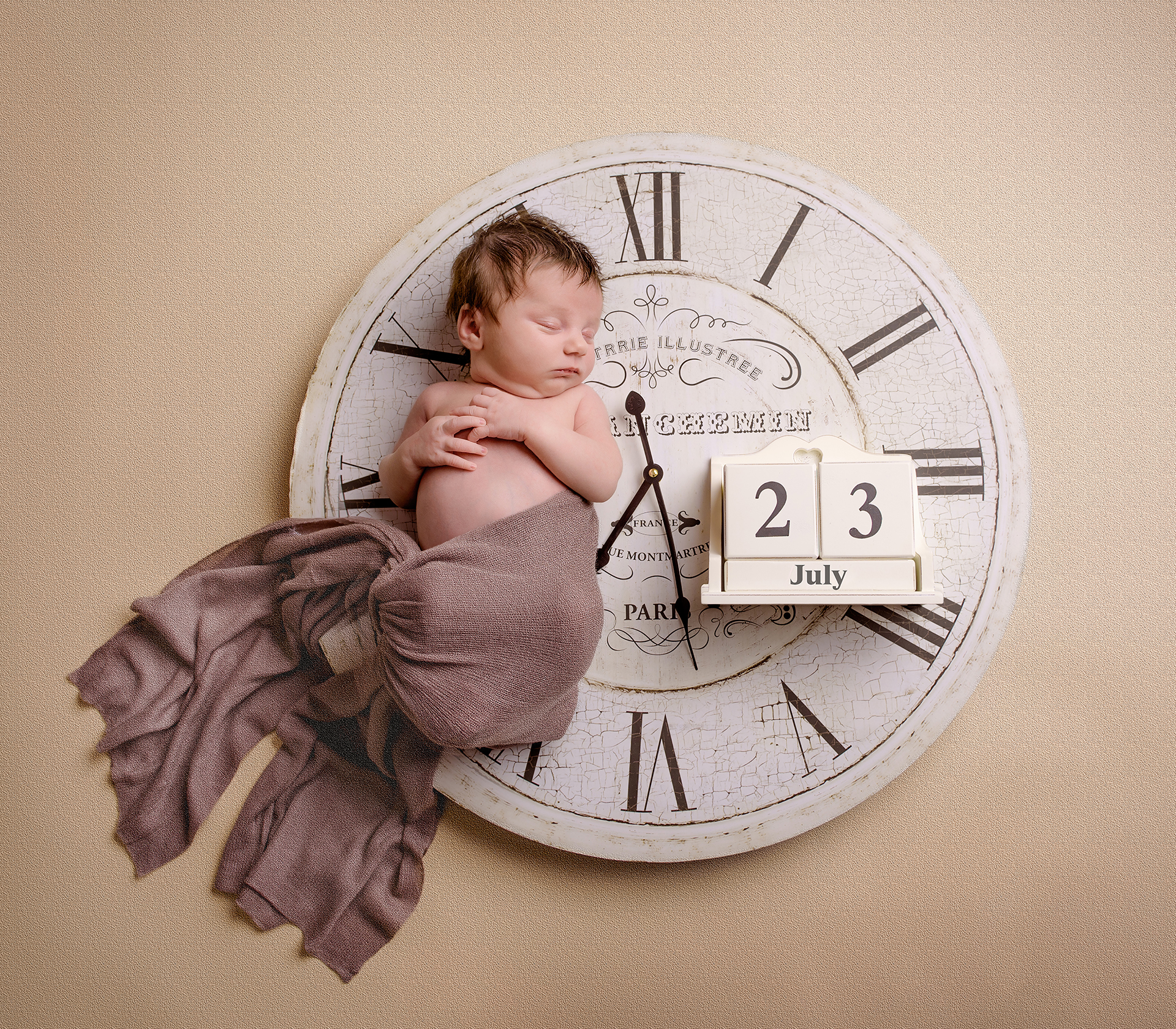 Newborn photography tips – to sleep or not to sleep?